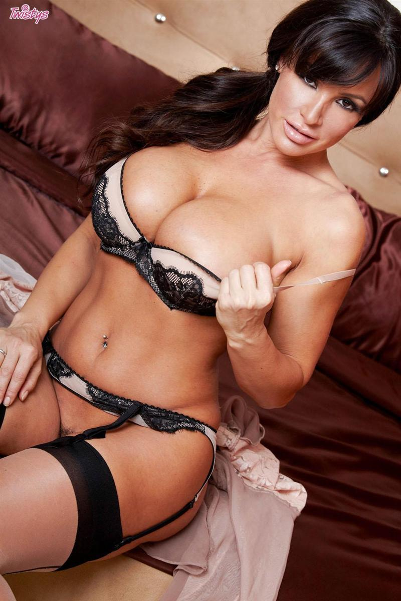 Hot Lisa Ann Pic lisa ann nude pictures. rating = 8.31/10