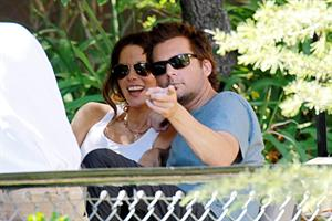 Kate Beckinsale - limo trip to a private tour at the LA Zoo July 26-2012