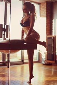 Alisa Margulis in lingerie