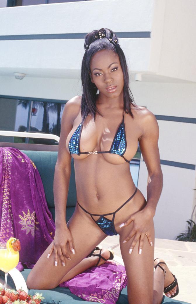 Kiwi Sweet in a bikini