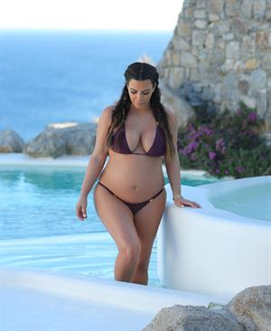 Kim Kardashian On vacation in in Mykonos, Greece (April 26, 2013)