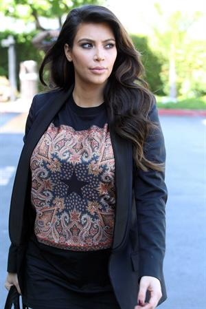 Kim Kardashian - Out in Los Angeles (29.03.2013)