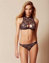 Jenna Peij in lingerie