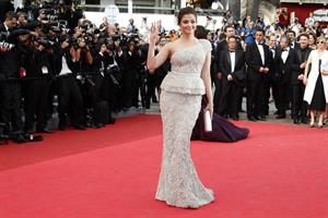 Aishwarya Rai opening ceremony of the 64th Cannes Film Festival on May 15, 2011