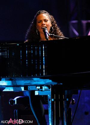 Alicia Keys World Cup Kick Off Celebration Concert on June 10, 2010