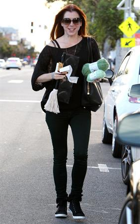 Alyson Hannigan Goes shopping in Santa Monica (November 7, 2013)