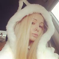 Valeria Lukyanova taking a selfie