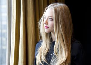 Amanda Seyfried  Les Miserables  Photocall 12/2/12
