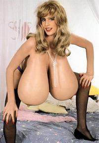 Zena Fulsom - breasts