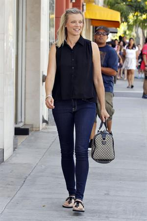 Amy Smart - Leaving The Farm after having lunch in Los Angeles - August 1, 2012