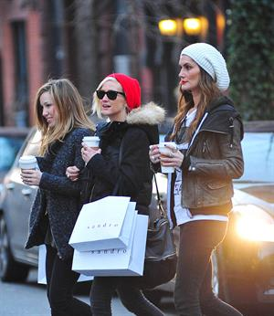 Ashlee Simpson shopping in NYC 1/6/13