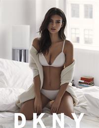 Emily Ratajkowski in lingerie