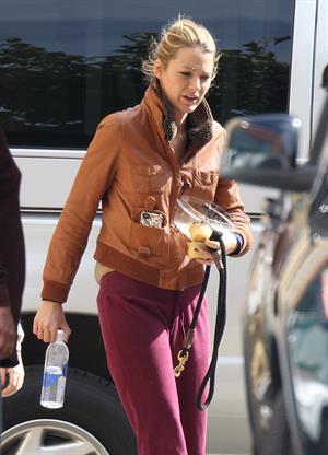 Blake Lively 'Gossip Girl' set in New York City - October 18, 2012