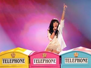 Carly Rae Jepsen American Music Awards - Performance (November 18, 2012)