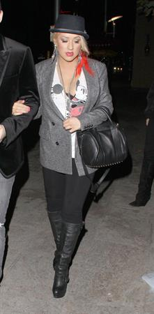 Christina Aguilera Spotted walking with Matthew Rutler in Los Angeles (November 16, 2012)