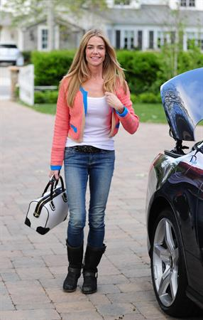 Denise Richards Spotted in Los Angeles (May 28, 2013)