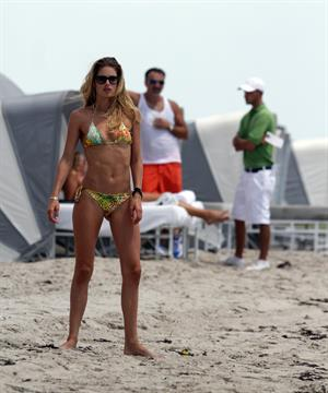Doutzen Kroes bikini beach pictures in Miami August 16, 2012