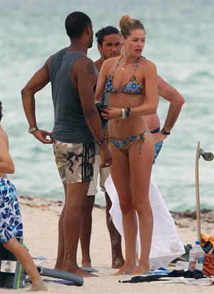 Doutzen Kroes bikini candids on the beach in Miami, Florida Augusts 15, 2012