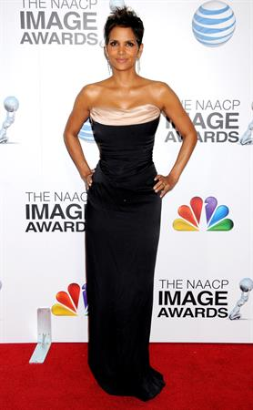 Halle Berry 44th NAACP Image Awards in LA - 01/02/13