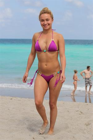 Hayden Panettiere - on the beach in Miami 3/31/13
