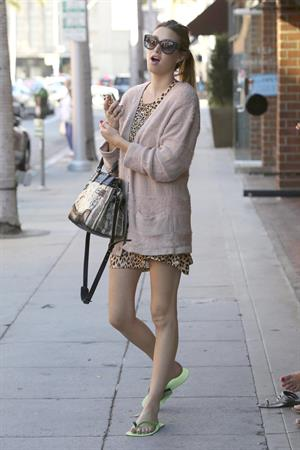 Whitney Port shopping around Beverly Hills Sept 28, 2012