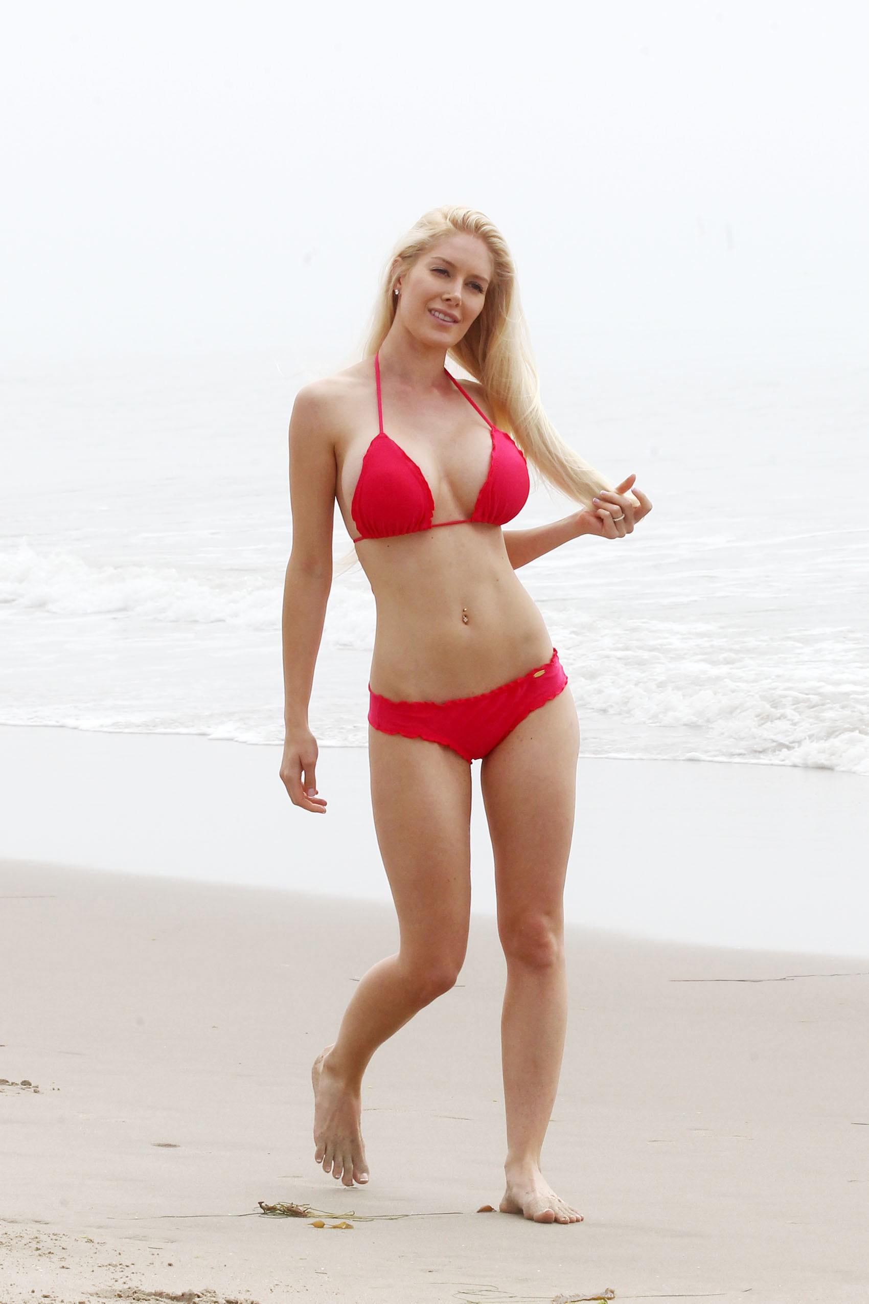 Heidi Montag Spends some time on the beach in Santa Monica (November 8, 2012)  (bikini)
