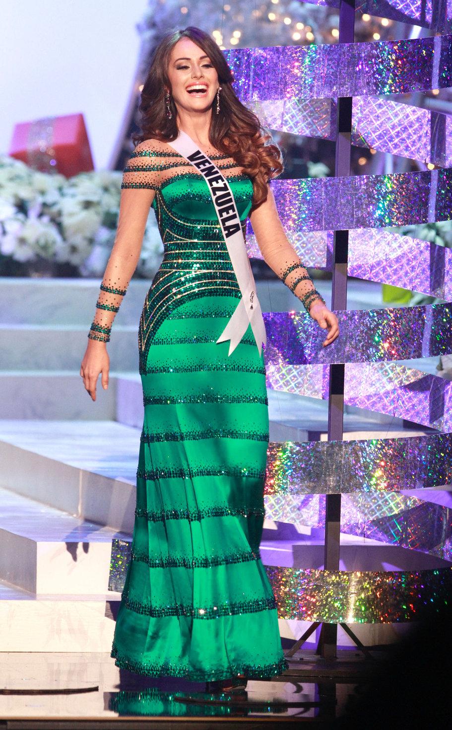 Miss Universe 2018 Images >> Irene Esser Pictures