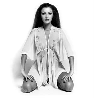 Jane Seymour : Young B&W Photoshoot