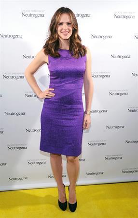 Jennifer Garner at the Neutrogena Sun Summit in NYC on March 13, 2013