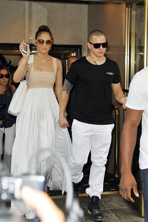 Jennifer Lopez dinner at Bubbys in New York City on July 24, 2012