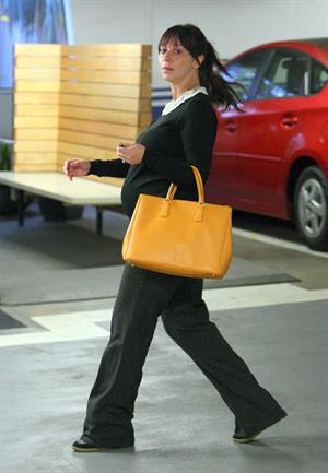 Jennifer Love Hewitt spotted out and about in Beverly Hills October 1, 2013