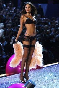 Fernanda Motta in lingerie