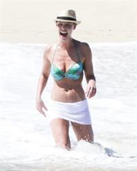 Katherine Heigl On vacation in Los Cabos, Mexico - April 7, 2013