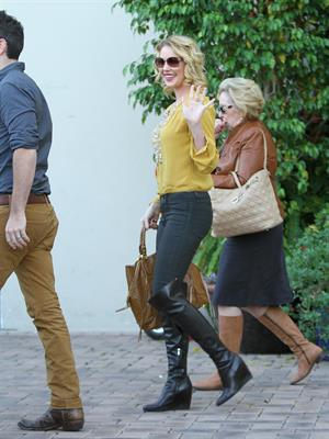 Katherine Heigl got lunch with her mom and Josh Kelly to celebrate her birthday, in Beverly Hills November 24, 2012