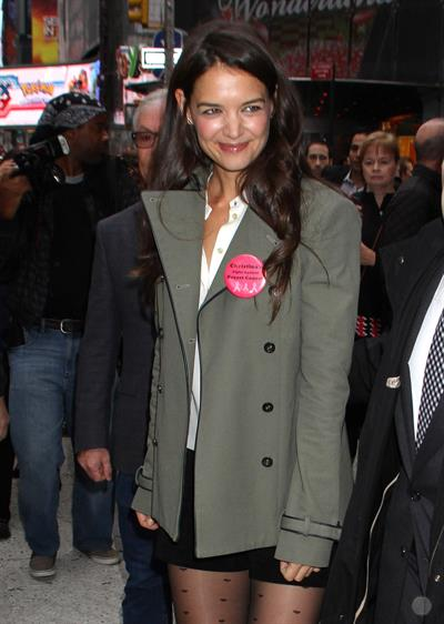 "Katie Holmes – ""Good Morning America"" set, NY 10/9/13"