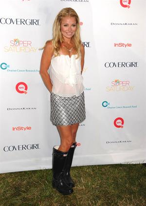 Kelly Ripa - OCRF's 15th annual Super Saturday -- Water Mill, Jul. 28, 2012