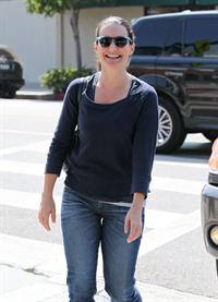 Kristen Davis at the Le Pain Quotidien restaurant in Brentwood - September 25, 2012