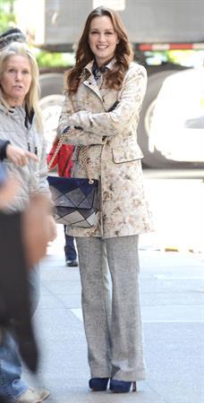 Leighton Meester  Set of Gossip Girl in Central Park - September 24, 2012