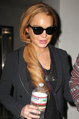 Lindsay Lohan - Los Angeles International Airport (10.04.2013)