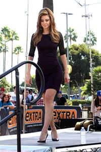 "Maria Menounos – ""Extra"" set candids in LA 10/17/13"