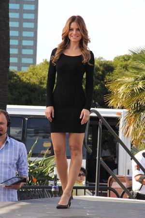 Maria Menounos on set of Extra in Universal City 06.11.13