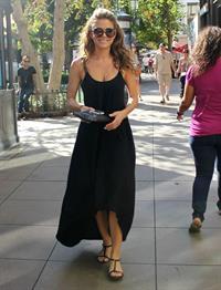 Maria Menounos  At LA Piazza at the Grove in LA 24.09.12