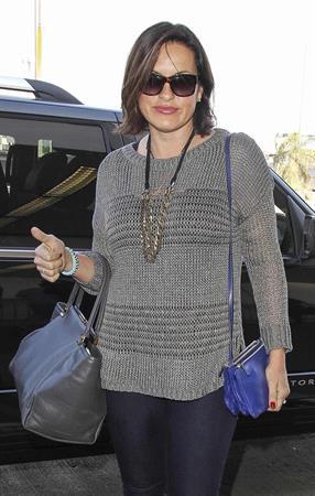 Mariska Hargitay Arrives at LAX Airport in Los Angeles (November 11, 2013)