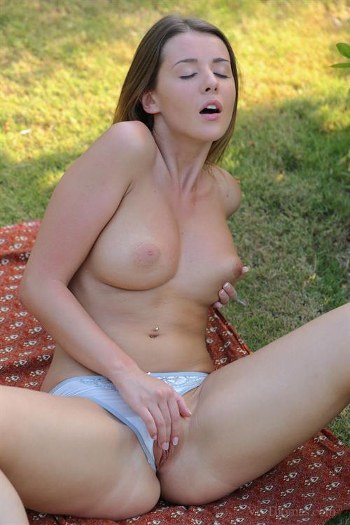 Free porn amatuer threesome-2088