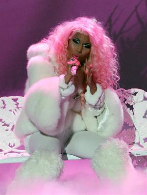 Nicki Minaj American Music Awards - Performance (November 18, 2012)