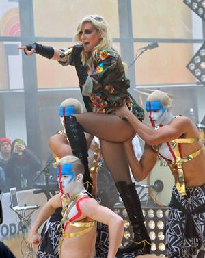 Kesha Performs on the Today Show in New York City (November 20, 2012)