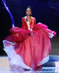 Miss USA 2012 Olivia Culpo is Miss Universe Pageant in Las Vegas (Dec 19, 2012)