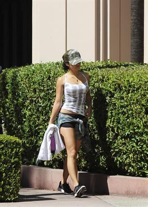 Vanessa Hudgens - leaving dance class in Studio City August 27, 2012