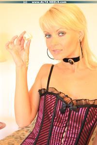 Jana Cova in lingerie