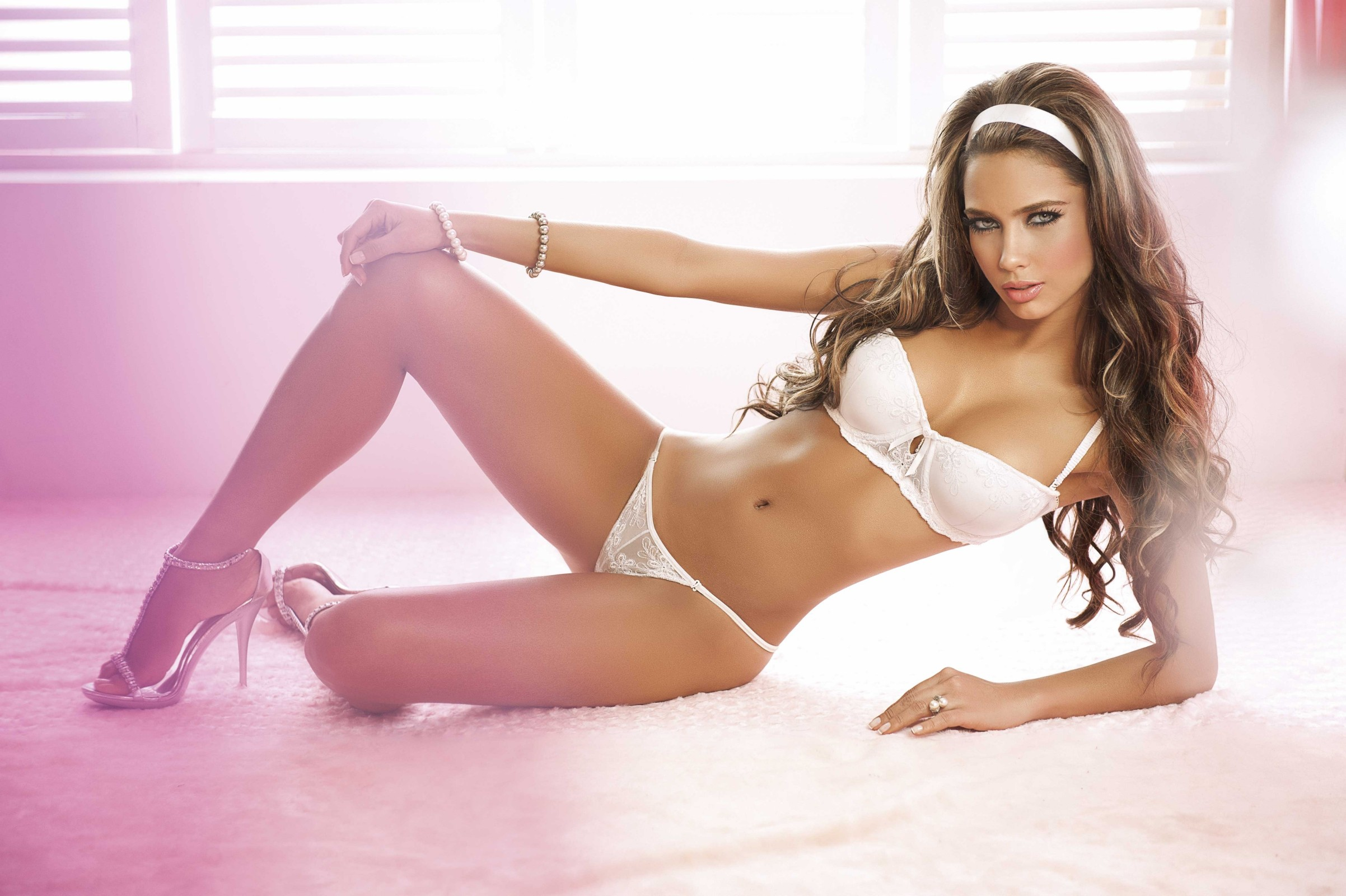Catalina Otalvaro in lingerie